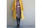 シックなニットワンピ。イエローのコートでスパイスを羽織る #東京365日コーデ