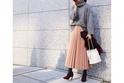 ピンクのスカートは、グレーのニットで甘さを引き算 #東京365日コーデ