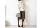 お洒落なゆるゆるコーデは、スカートのボルドーをタイツで拾う #東京365日コーデ