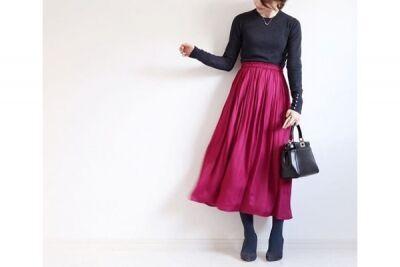 華やぎスカートは、それ以外をオール黒でまとめて #東京365日コーデ