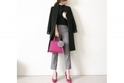 ピンク小物のパワーで、モノトーンスタイルを華やかに #東京365日コーデ