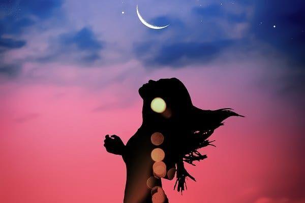 夢に出てくる「月」が暗示するもの