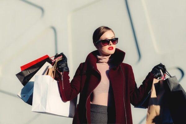 買い物をする夢に隠された暗示