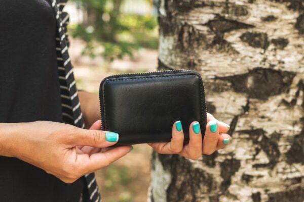 お金持ち。財布に入れると「運気UPするもの」4つ