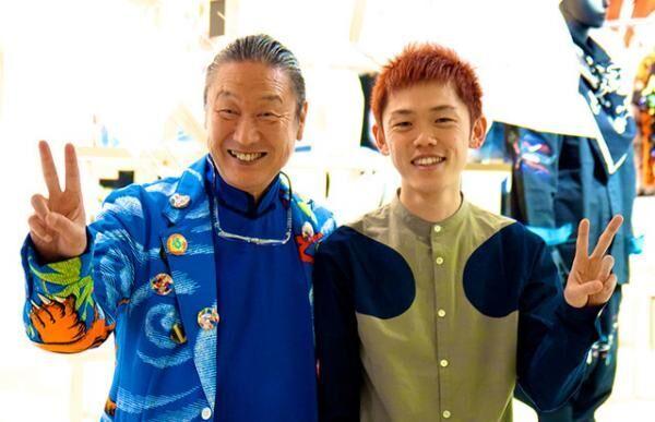 (左)山本寛斎、(右)山口壮大