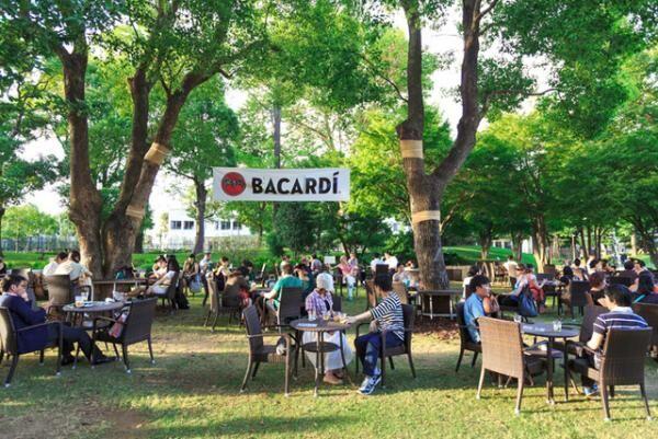「バカルディ ミッドパークカフェ」