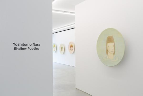 奈良美智「Shallow Puddles」2015年 Blum & Poe 東京での展示風景