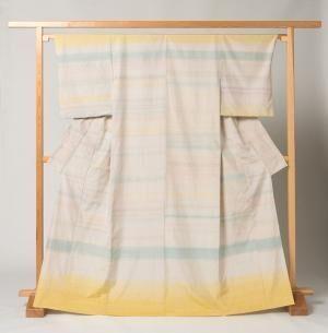 ミナ ペルホネンとアトリエシムラの着物のコラボレーションによる展示会「シムラの着物ミナの帯」が開催