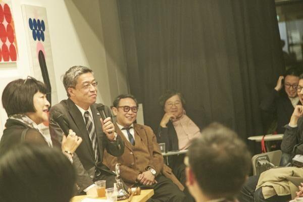 三越伊勢丹ホールディングス代表取締役社長の大西洋さんとMCを務めたファッションジャーナリストの生駒芳子さん