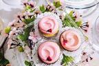 マグノリアベーカリーから春限定、桜色の「サクラカップケーキ」が登場