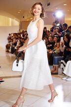 ミランダ・カーが閉店後の新宿伊勢丹に!サマンサタバサ×伊勢丹による一夜限りのファッションショー