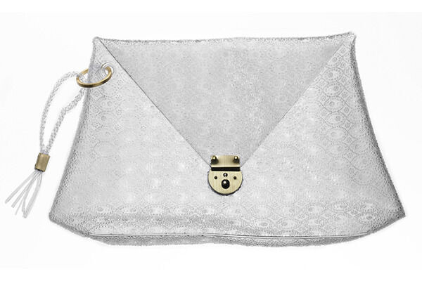 マメが16SSコレクションの新作PVCバッグコレクションを発売