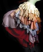 美しさとは何か?と問いかけるウェディングドレスデザイナー松居エリが作品集を出版