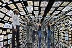 過去、現在、未来を投影するトンネル。韓国サムスン×NYデザインスタジオBlack Eggによるデジタル作品