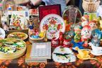「第9回東京蚤の市」が京王閣競輪場で開催。豆皿市や花マルシェ、古道具店など約200店舗が参加