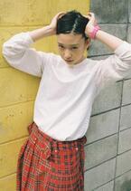 川島小鳥、20歳になる女の子を撮りためた新作写真展「20歳の頃」を開催中