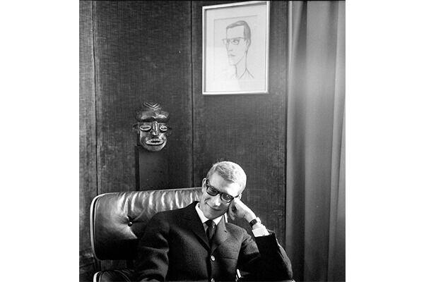 《イヴ・サン=ローラン》、1964年6月5日