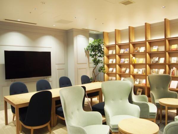 会員が予約制で利用可能な個室も用意する