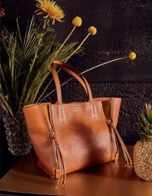 クロエがハーフジップが印象的な新作トートバッグ「マイロ」を発売