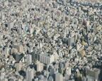 1,360万のざわめきをとじこめた緻密工作都市の風景、写真家・本城直季が捉えた『東京』