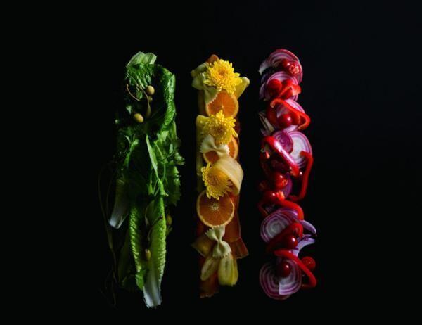 「緑しかないサラダ」、「黄しかないサラダ」 、「赤しかないサラダ」(各1,280円)