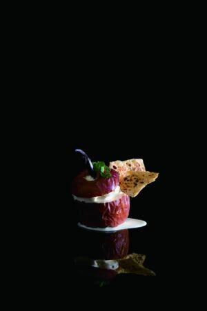 「丸ごと林檎の炭焼きパイ」(980円)