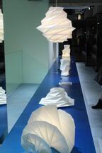 イッセイミヤケの初の照明器具とプリーツプリーズが2013年度グッドデザインで受賞