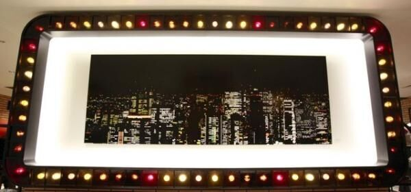 新作「Beautiful Night Shinjuku」(42万円)