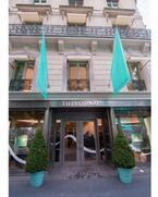 ティファニーがパリに新旗艦店オープン。ジェシカ・ビールやヒラリー・スワンクらがお祝い