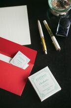 名刺で香りのコミュニケーション。エステバンからカード型フレグランス登場