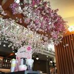 上野公園のスタバでさくらラテ片手にお花見気分。プランティカが桜満開に