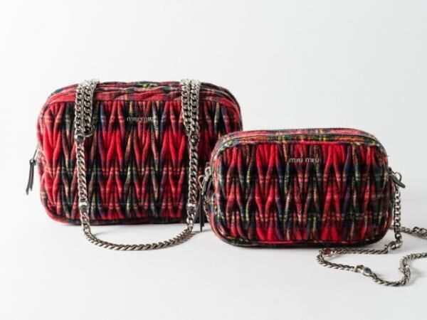 タータン マテラッセ ショルダーバッグ(左から17万4,000円、14万円)