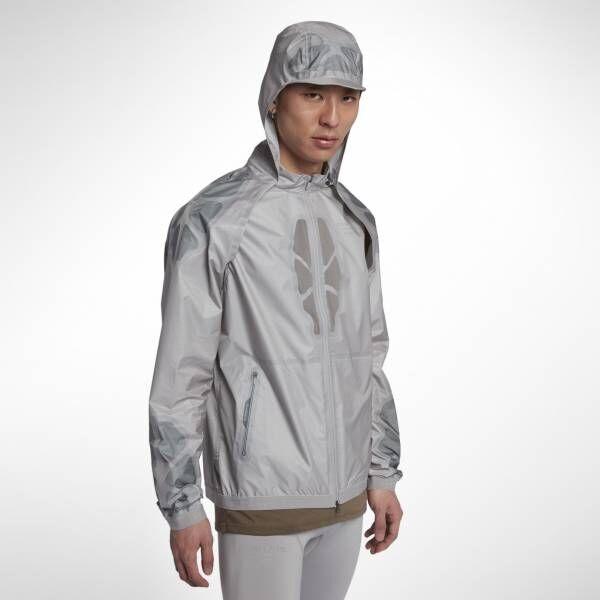 ナイキ×アンダーカバー高橋盾「NIKELAB GYAKUSOU」、新作フーデッドジャケット登場! ランニング中の雨や蒸し暑さに一瞬で対応