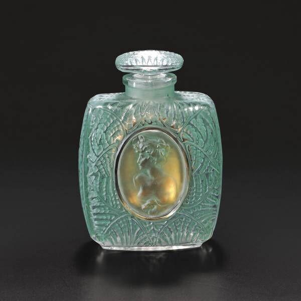 ラリックとバカラのヴィンテージ香水瓶100点&現代のタピスリー展覧会! 資生堂アートハウスで開催