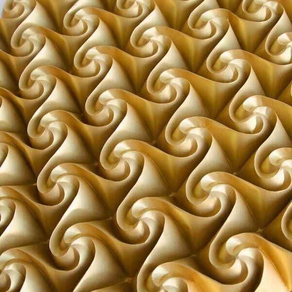 1枚の紙から作る折り紙、コンピューター進化によりもはや折り紙の域を超える