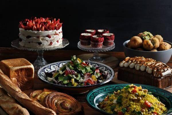 京都にロンドン発デリカフェ「フランツ アンド エヴァンス ロンドン」日本2号店オープン! ぎっしり苺のケーキが人気