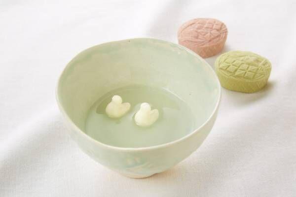 葛湯に浮かぶ二羽の水鳥、京都・長久堂の銘菓「鳰の浮巣」【夏の手土産】