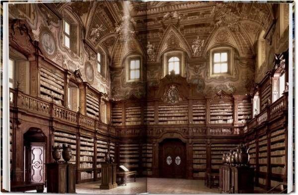 世界で最も美しい図書館を旅する、写真家マッシモ・リストリ作品集【ShelfオススメBOOK】