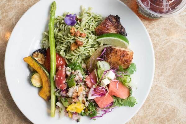 シティショップが渋谷キャストにオープン。ELINなど6ブランドの野菜をイメージしたニットが登場!