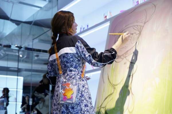 セクシーアイコンのグラフティアーティスト、パリのファフィが原宿GR8でライブ