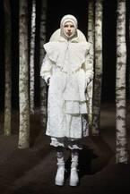 【ルック】4 モンクレール シモーン・ロシャ2019-20秋冬コレクション