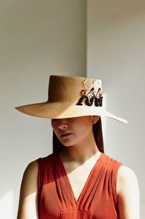 夏の装いを自分らしく演出する一点物のハット。神田明神のGallery Mで「エム×クール ファム」のイベント開催