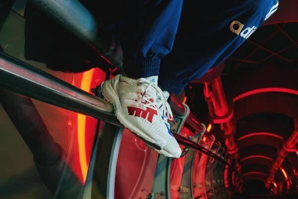 アディダス×アンディフィーテッド、星条旗をイメージした新作スニーカー発売