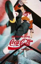 ファセッタズム × コカ・コーラのコラボ、伊勢丹メンズのポップアップで先行発売