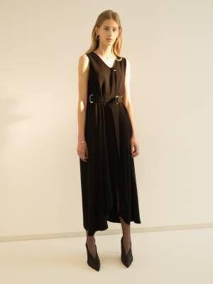 ヨウヘイオオノのタイムレスな新しいドレスライン