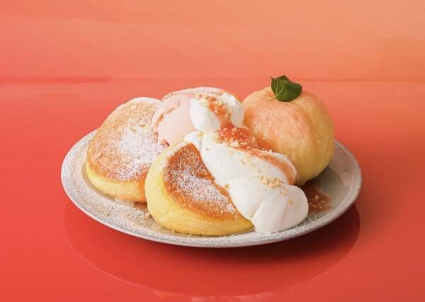 """白桃丸ごと1個を贅沢使い、""""奇跡のパンケーキ""""【今日のスイーツvol.21】"""