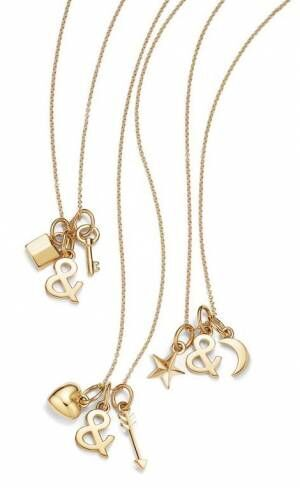 ティファニーを象徴する「&」とさまざまなモチーフのチャームを組み合わせた新作ネックレスが登場!