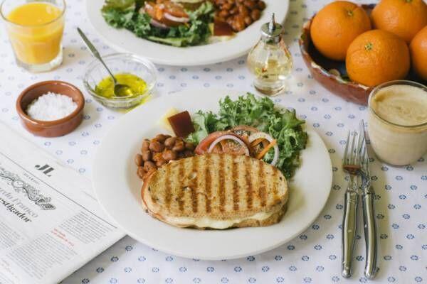 世界の朝食レストラン、10月からはポルトガルの朝食! トーストサンドイッチやエッグタルト