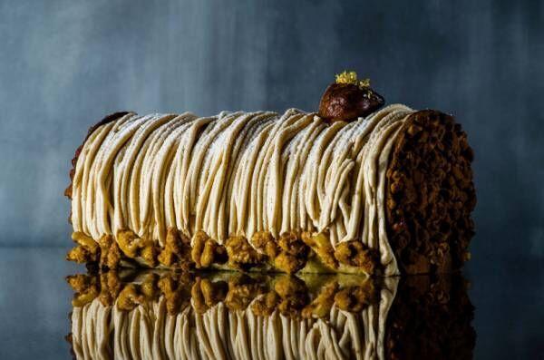 25周年のパーク ハイアット 東京のクリスマスケーキ、雪のようなブッシュドノエルにモンブランのロールケーキ