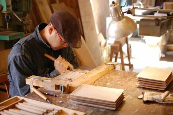滋賀の木工作家による暮らしの道具の展覧会が白金OFS galleryで開催